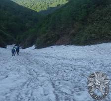 上部の雪渓